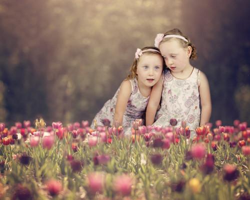 twins,girls